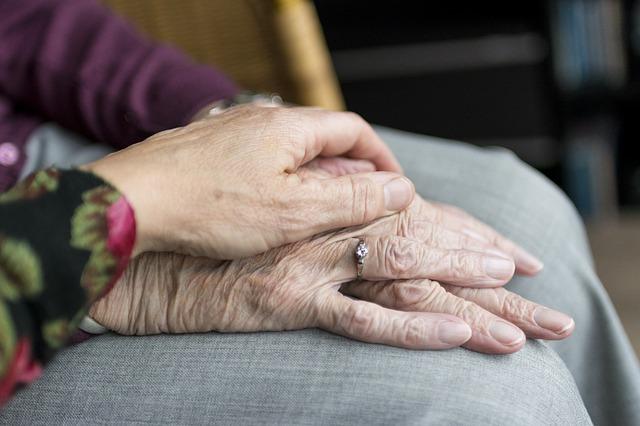 abuso y el maltrato a los adultos mayores