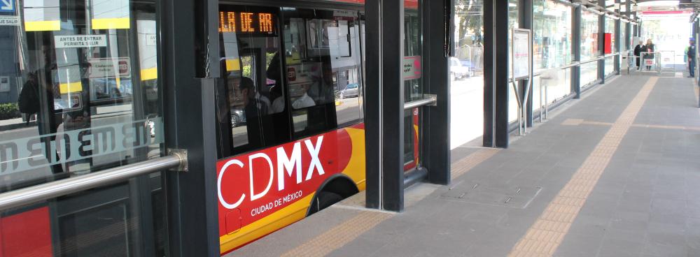 El Metrobús en Avenida Cuauhtémoc