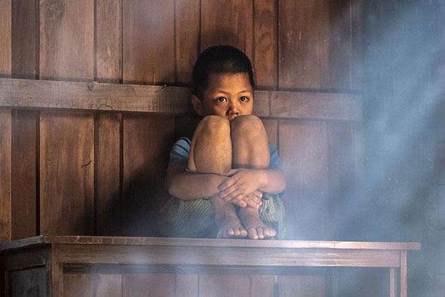 La pandemia aumentó el riesgo de violencia doméstica contra la infancia: OPS