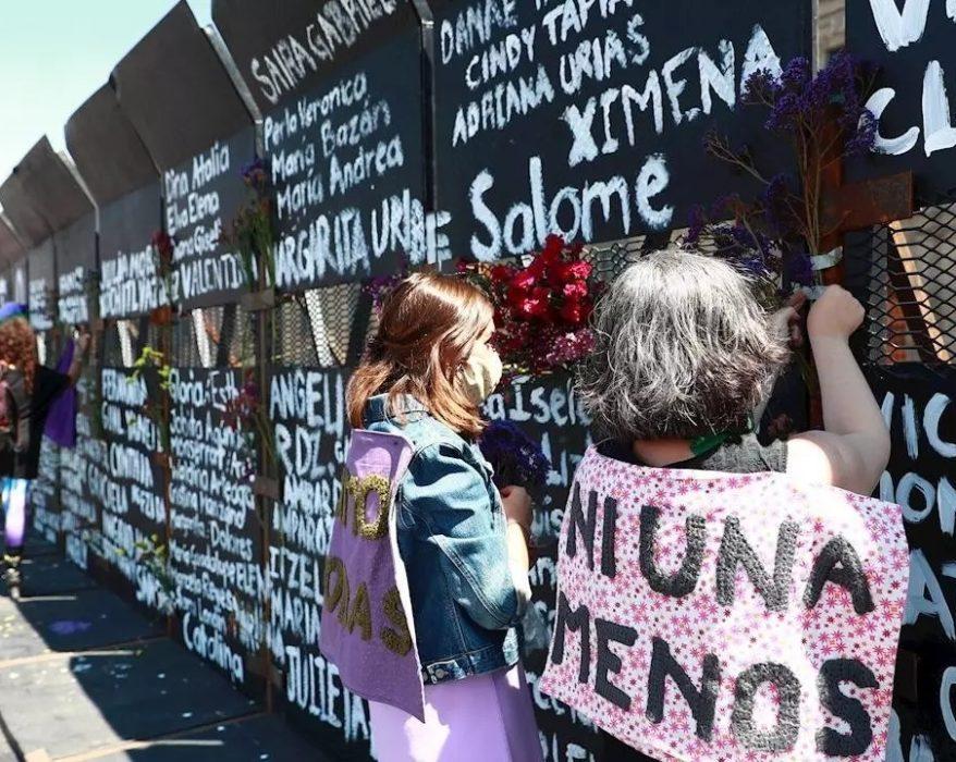 imagen tomada con fines estrictamente académicos del sitio: https://www.france24.com/es/am%C3%A9rica-latina/20210308-vallas-ciudad-mexico-marchas-feministas